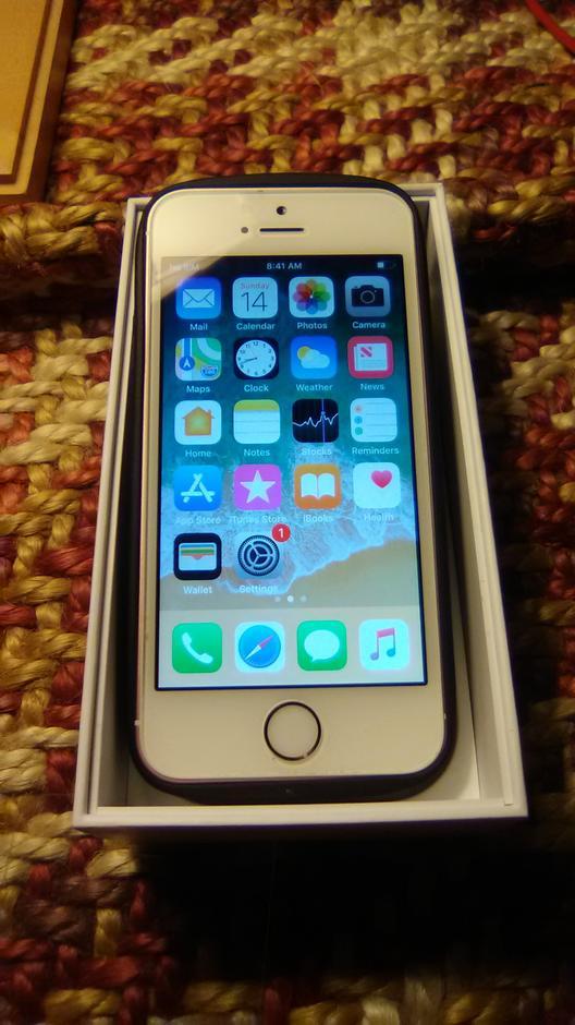 Bxe577 Apple Iphone Se Metro Pcs For Sale 105 Swappa