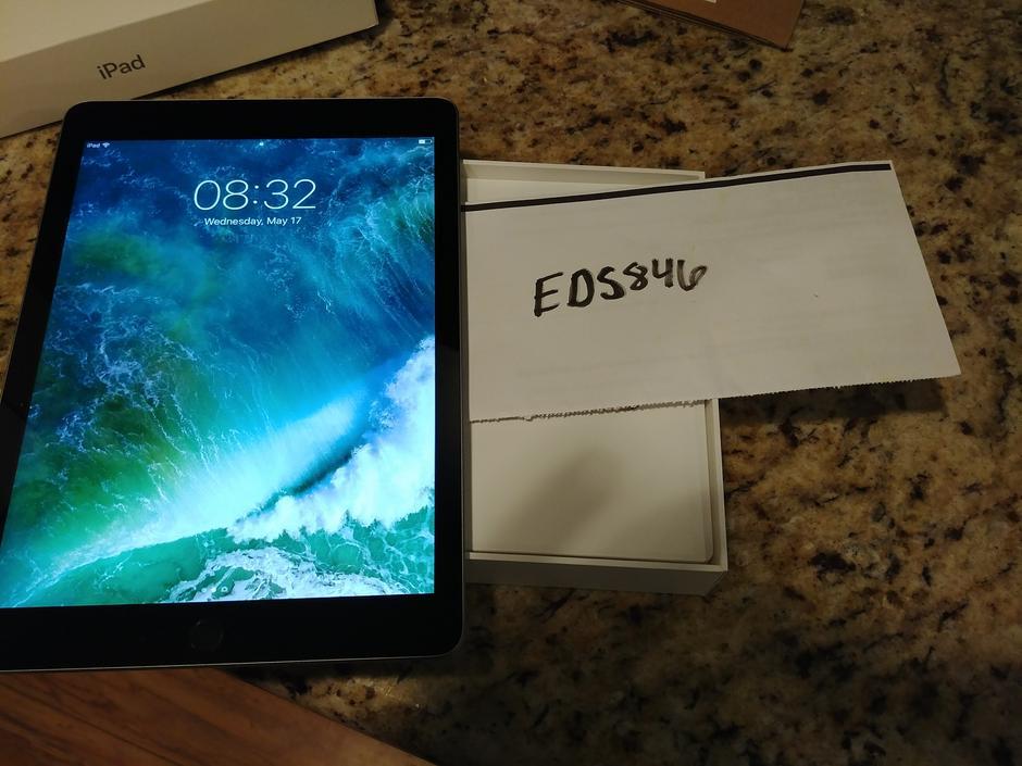 K nnyk n ja tabletin k ytt vinkit - Elisa ja Saunalahti Logitech Slim Combo iPad, pro Case with Telefoon winkel raadhuisplein Iphone 7 scherm reparatie