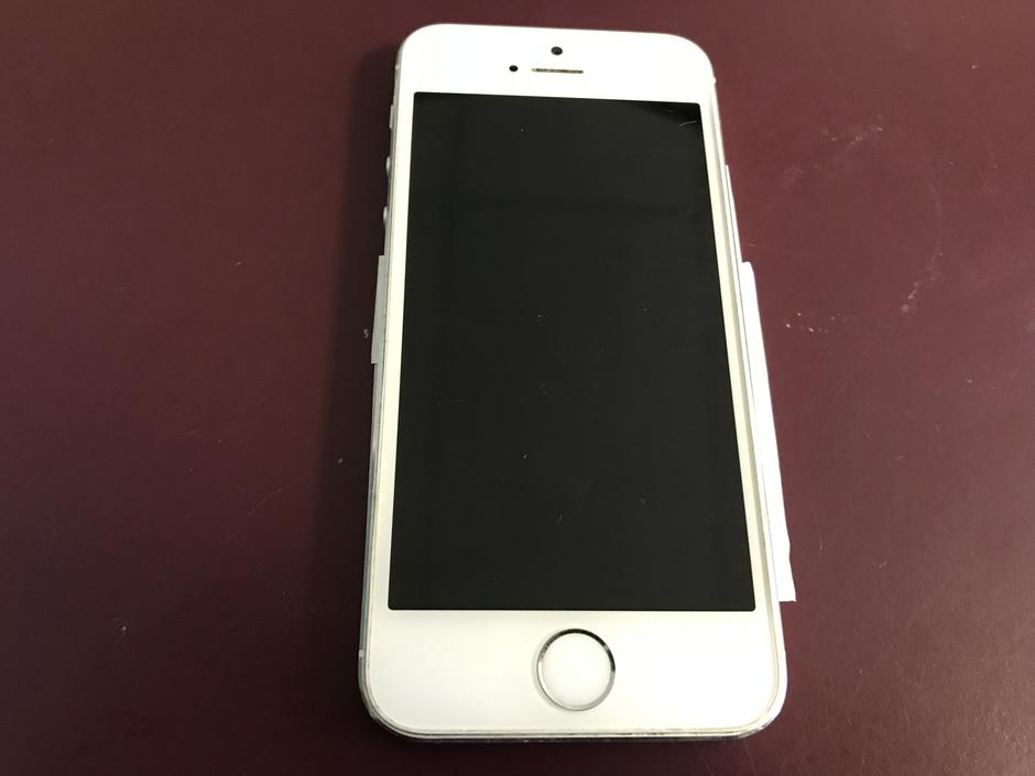 iphone 5s at t for sale erl908 apple iphone 5s at amp t for 90 swappa 8072