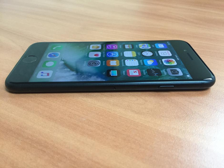 unlocked iphones for sale esk191 apple iphone 7 unlocked for 491 swappa 16350