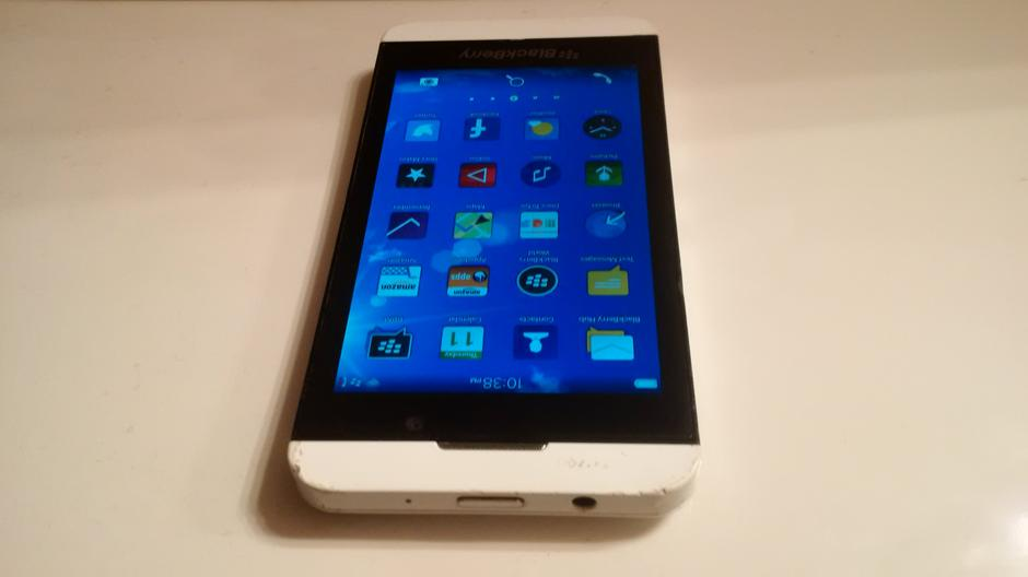 blackberry z10 white verizon - photo #32