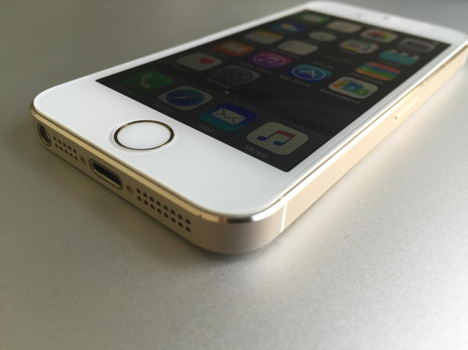 kyf820 apple iphone 5s unlocked for sale 299 swappa. Black Bedroom Furniture Sets. Home Design Ideas