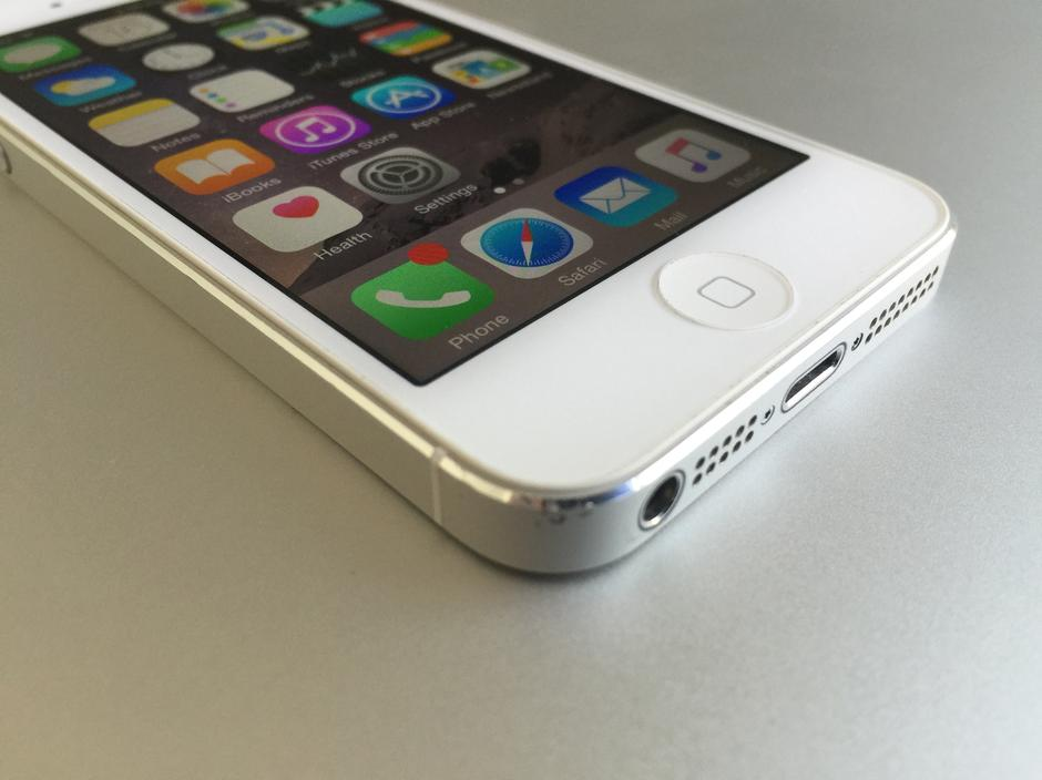 unlocked iphones for sale lfk391 apple iphone 5 unlocked for 180 swappa 16350