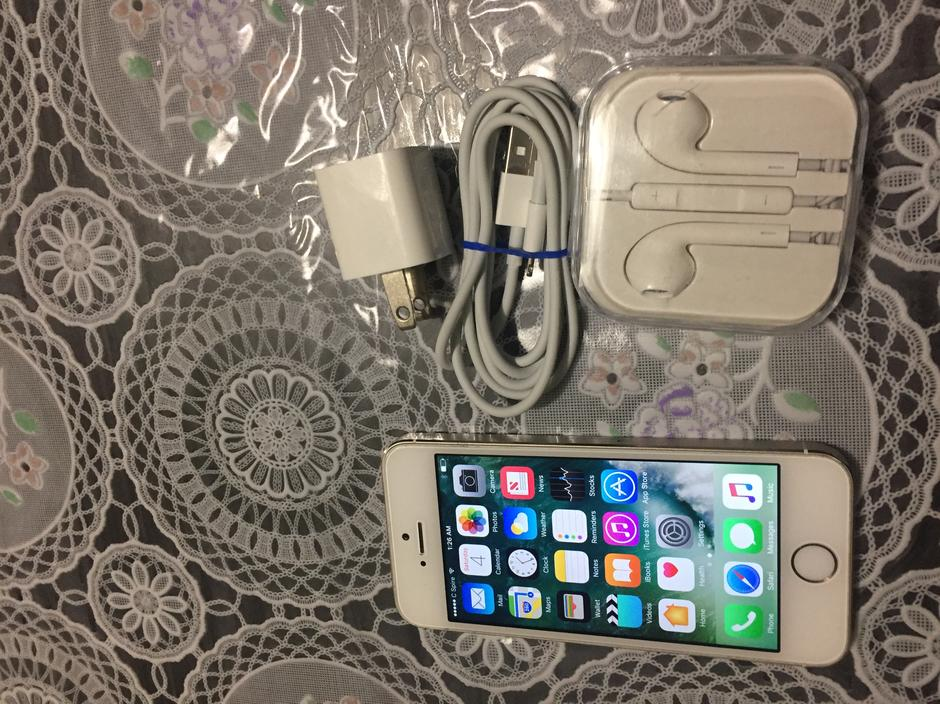 c spire iphone 5s yir989 apple iphone 5s c spire for 218 swappa 5804