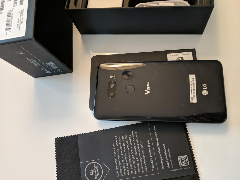 LG V35 ThinQ (Unlocked) - Black, 64 GB