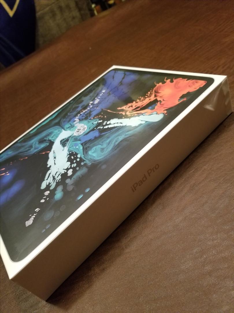 """Apple iPad Pro 12.9"""" 3rd Gen 2018 (Wi-Fi) A1876 - Silver ..."""