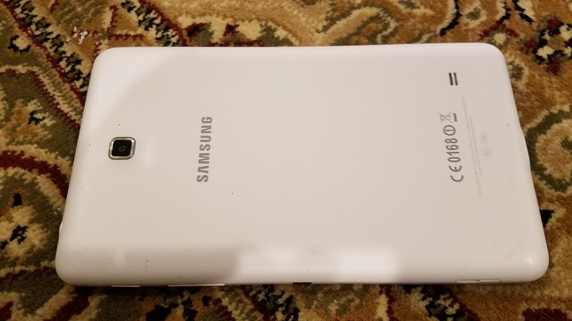 Samsung Galaxy Tab 4 (Wi-Fi) [SM-T230], 7 - White, 8 GB
